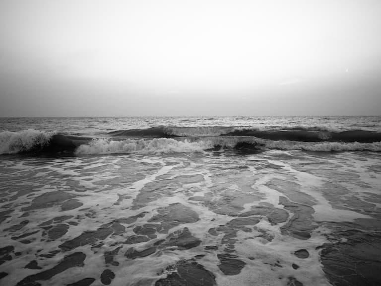 laccadive sea waves