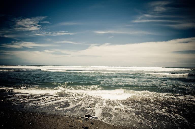 photo of ocean in costa rica